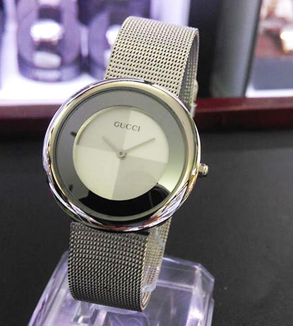 Đồng hồ Gucci lịch lãm