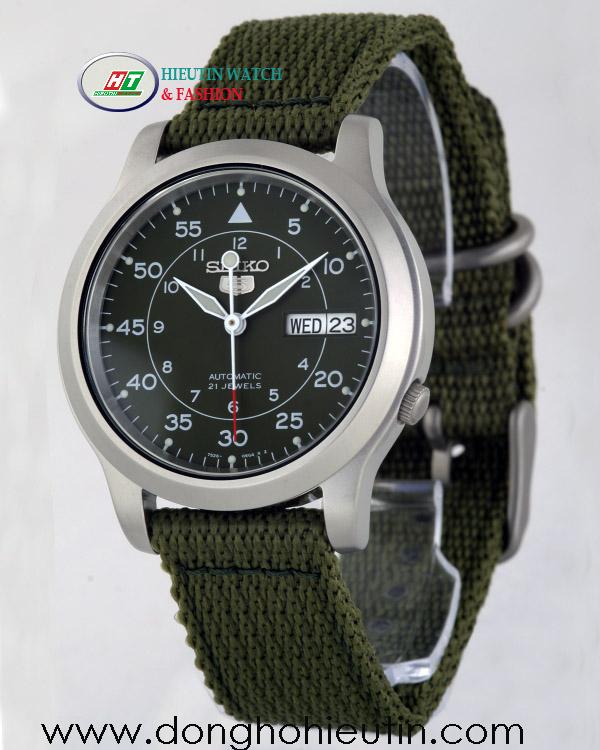 Đồng Hồ SEIKO 5 SNK805K2 - Với mặt đồng hồ tròn kim loại mờ kiểu Titanium